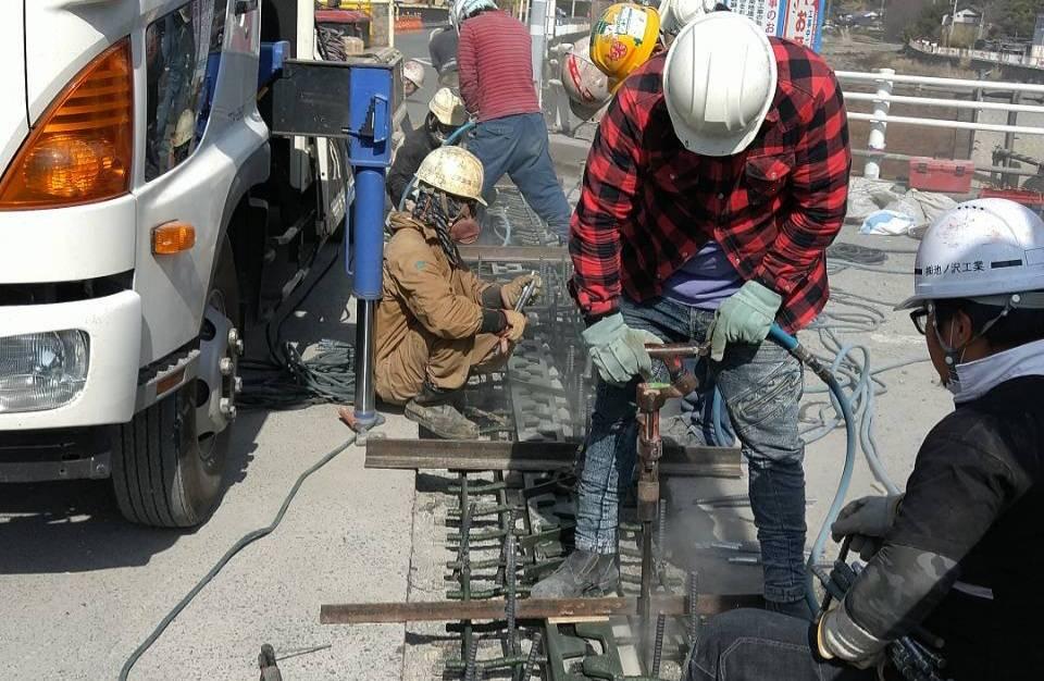 伸縮装置設置工事 静岡 橋梁補修